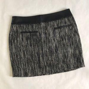 5/$20 Calvin Klein Skirt Black white 10 short